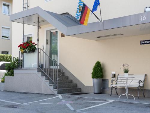 Hotel Kriemhild am Hirschgarten photo 83