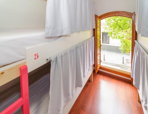 Фото отеля La Fabrica Urban Hostel Las Palmas