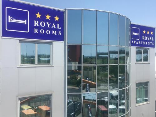 . Royal Apartments & Rooms