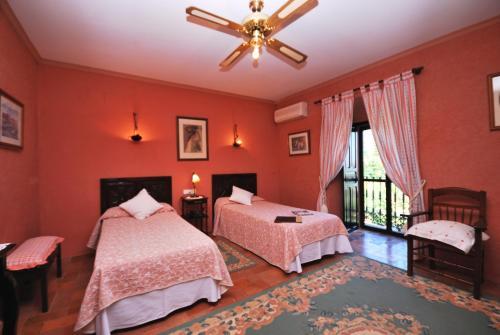 Habitación Doble con vistas - 1 o 2 camas   B&B Hacienda el Santiscal 15