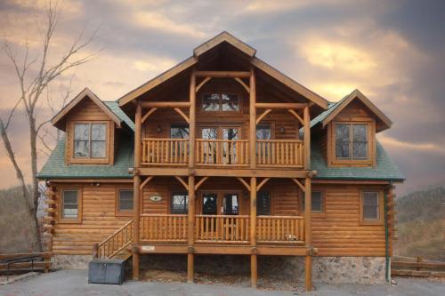 Rising Eagle Lodge   Eight Bedroom