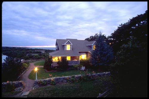 12 Menemsha Inn Road, Menemsha, Chillmark, MA 02552, United States.