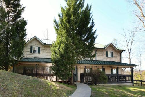 Oak Tree Lodge (#3) - Seventeen Bedroom
