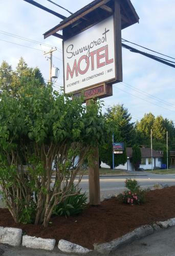 . Sunnycrest Motel