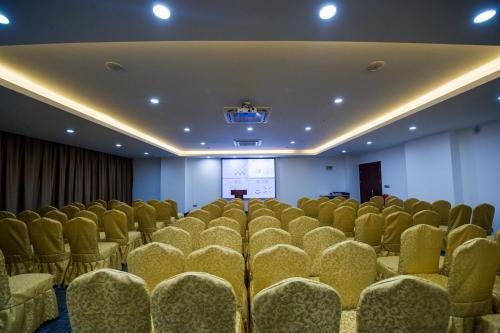 Suzhou New Century Manju Hotel Xinghuwan Branch photo 20