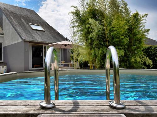 . Spacious Holiday Home with Private Pool in VIrton