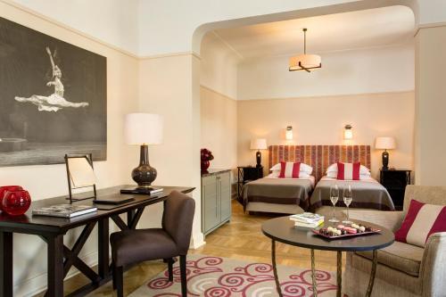 Hotel Astoria - 3 of 149