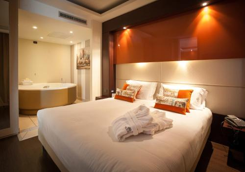 Suite Deluxe dengan Akses Spa  (Deluxe Suite with Spa Access )