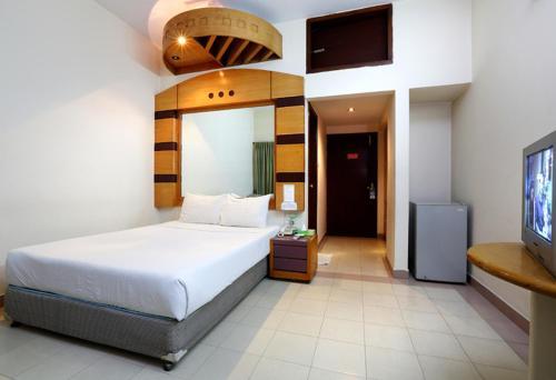Uni Resort room photos