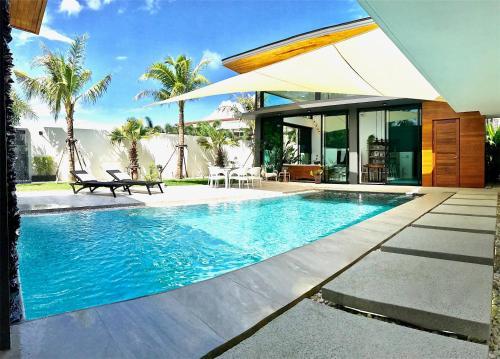 New Wonderful Villa in Nai Harn Center นิว วันเดอร์ฟูล วิลล่า อิน ในหาน เซ็นเตอร์
