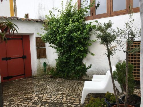 A Casa Do Passaro Branco, Óbidos