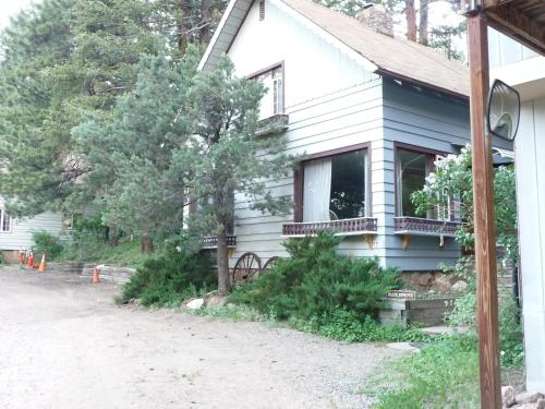 Bauer's Spruce Island - Evergreen, CO 80439