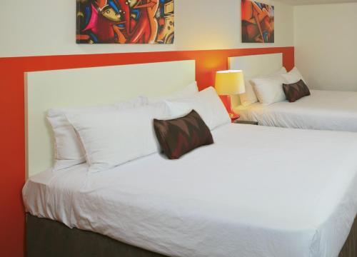 Hotel Zed Kelowna - Photo 7 of 30