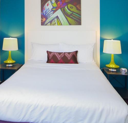 Hotel Zed Kelowna - Photo 6 of 30