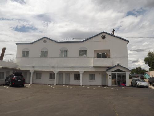 . Colorado Inn Motel