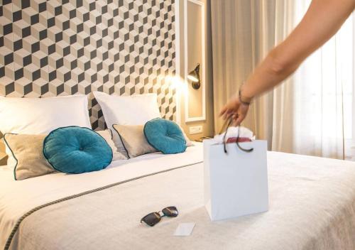 Ona Hotels Mosaic photo 3