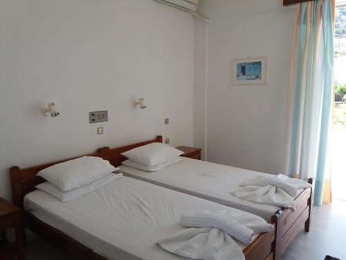 Heracles Hotel