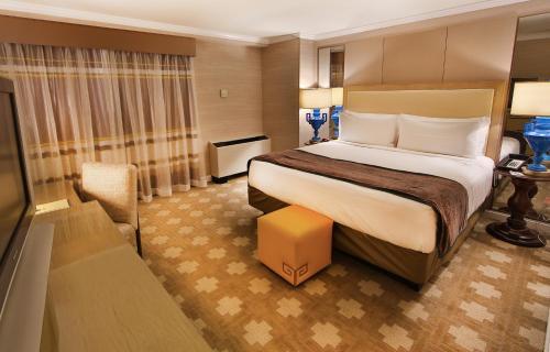 Caesars Atlantic City Hotel & Casino - Atlantic City, NJ 08401
