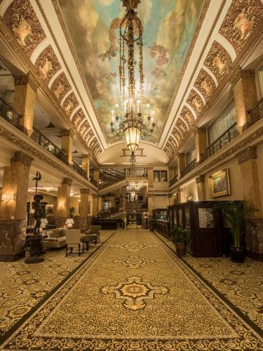 The Pfister Hotel - Milwaukee