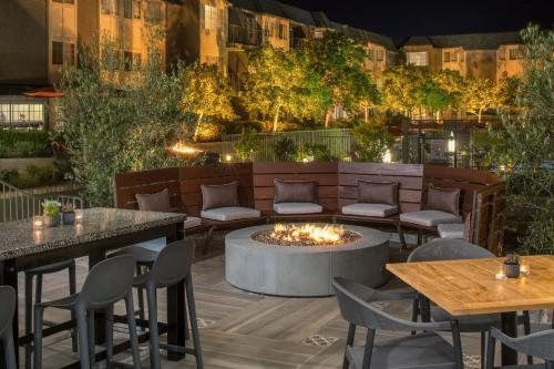 Hilton San Diego/Del Mar - Del Mar, CA CA 92014