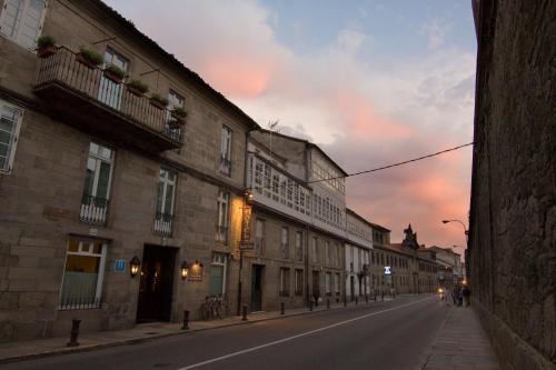 Rúa da Virxe da Cerca, 27, 15703 Santiago de Compostela, CORUÑA, A, Spain.