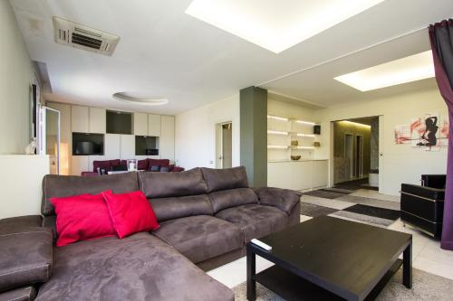 Diagonal Luxury Apartment Barcelona photo 9