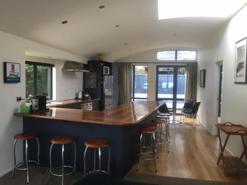 Luxury on Lakeside - Apartment - Wanaka