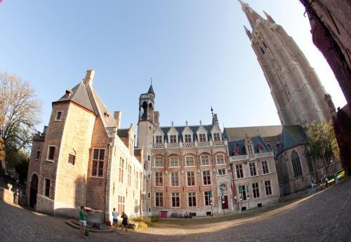 Naaldenstraat 22, Bruges, 8000, Belgium.
