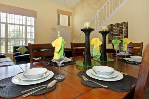 Villa Dorada Private House On Oak Island Kissimmee - Kissimmee, FL 34747