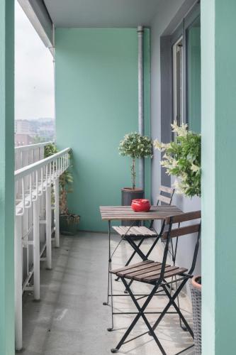 City Balcony Apartment