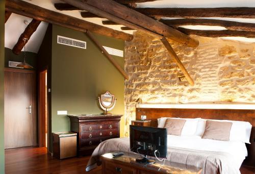Superior Double Room Hotel del Sitjar 32