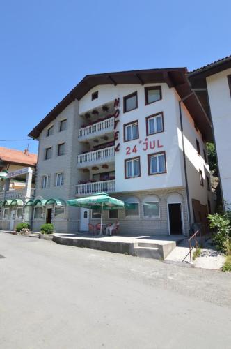. Hotel 24 jul