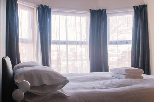 Wellesley Park Hotel - Photo 4 of 33