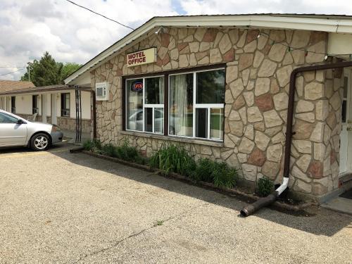 . Countryside Motel