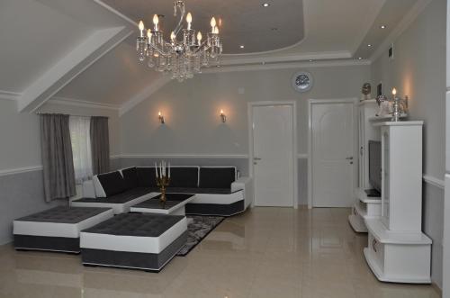 . Apartments Royal Menex