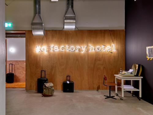 Q-Factory Hotel photo 18