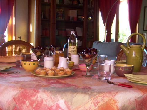 Croix Blanche - Accommodation - Cellieu