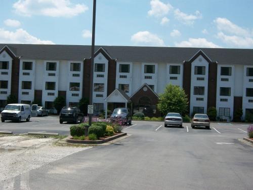 Brookshire Inn And Suites - Prestonsburg, KY 41653