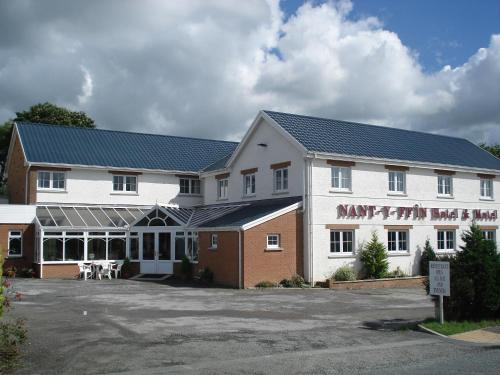 __{offers.Best_flights}__ Nant-Y-Ffin Hotel