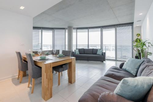 ROYAL DOCKS PENTHOUSE a London