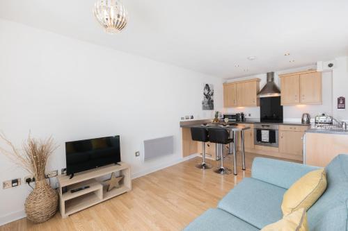. Liberty View Apartment - Swansea