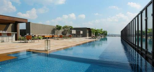 Top Indian Hotels With Infinity Pools