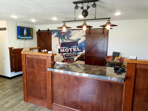 . West Plains Motel