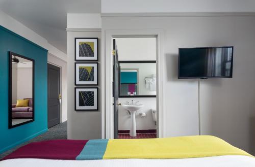 City Suites Hotel - Chicago, IL IL 60657