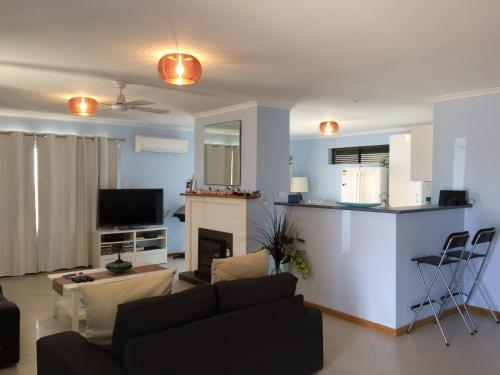 . Salty Air Apartments Kingscote Kangaroo Island
