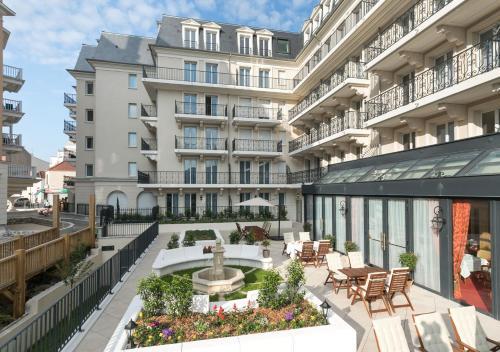 M dicis home puteaux h tel 2 rue pierre curie 92800 for Hotel douglas paris