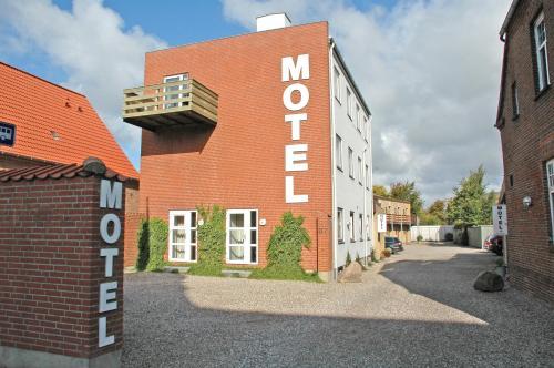 . Motel Apartments