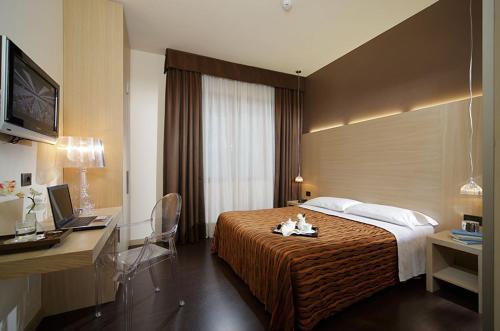 . Hotel Paris