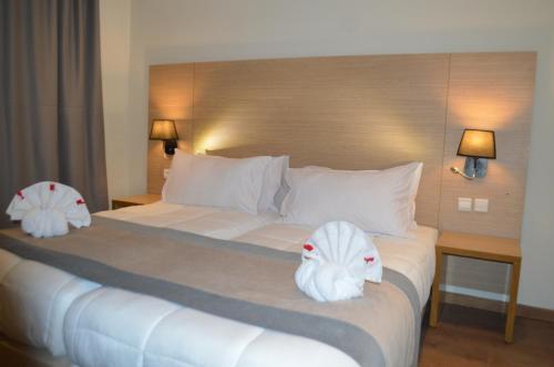 Anezi Tower Hotel salas fotos