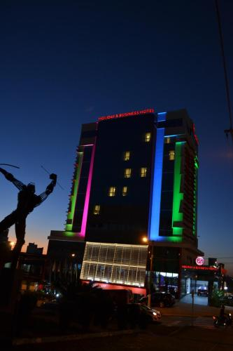 Holiday And Business Hotel
